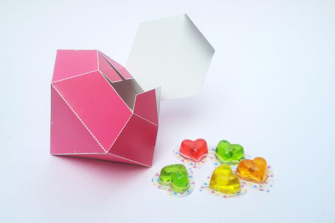 DIY Diamond favor - 3d papercraft example image 1