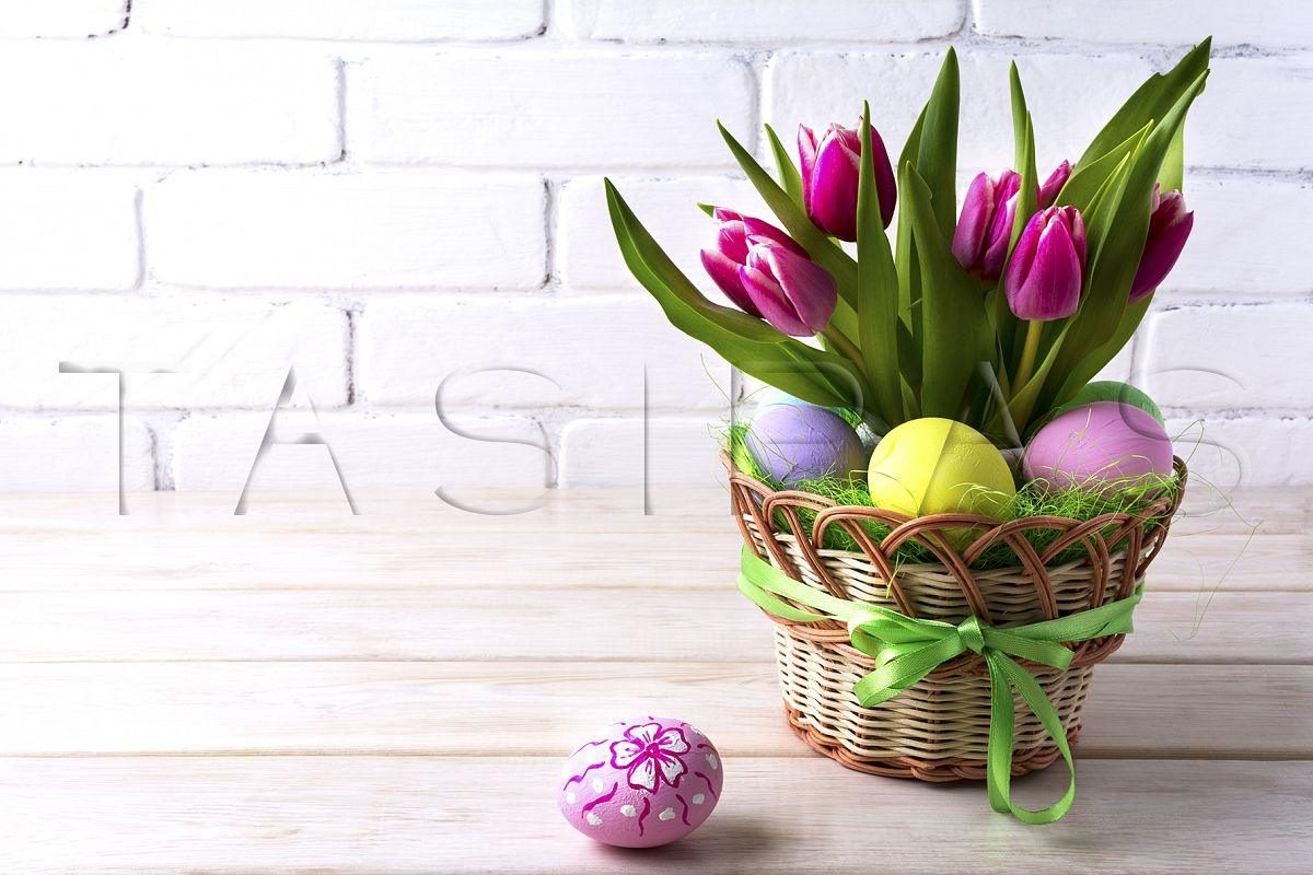Easter table centerpiece with pink tulip example image 1