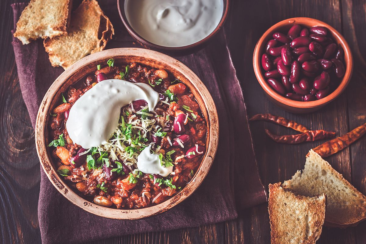 Bowl of chili con carne example image 1