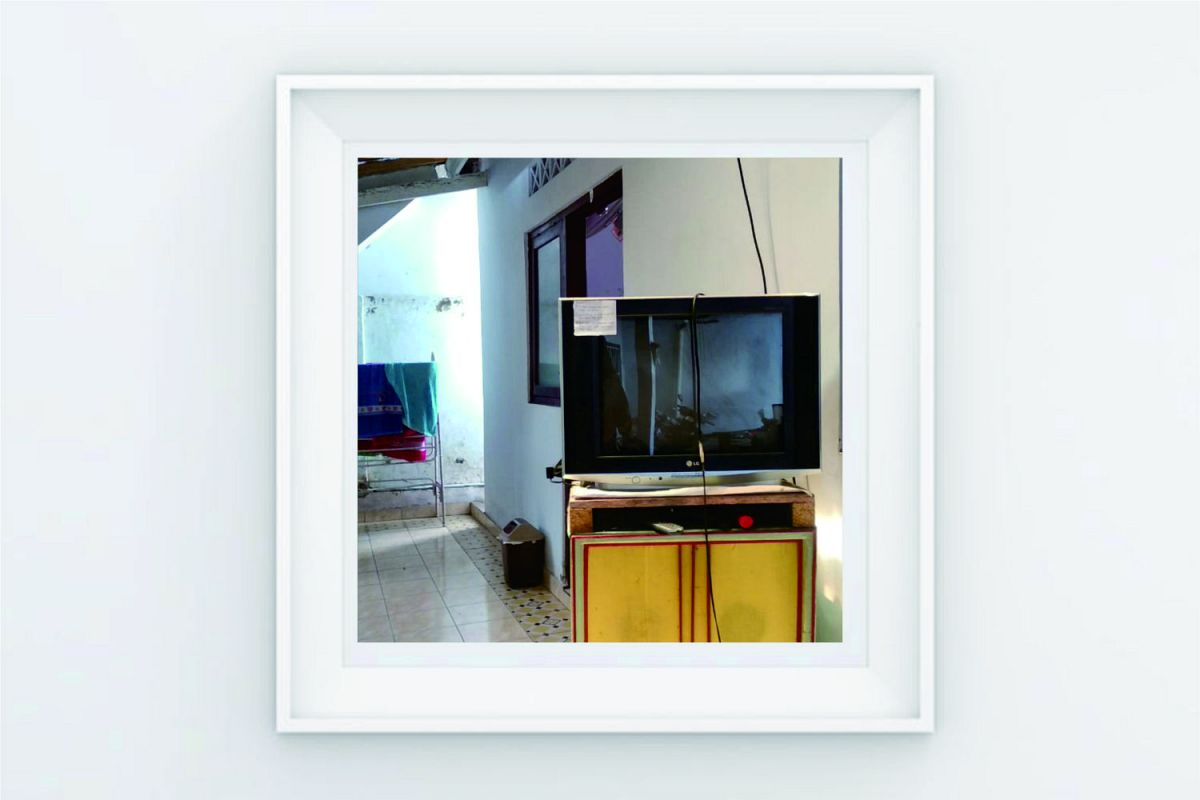 FRAME POSTER TELEVISION example image 1