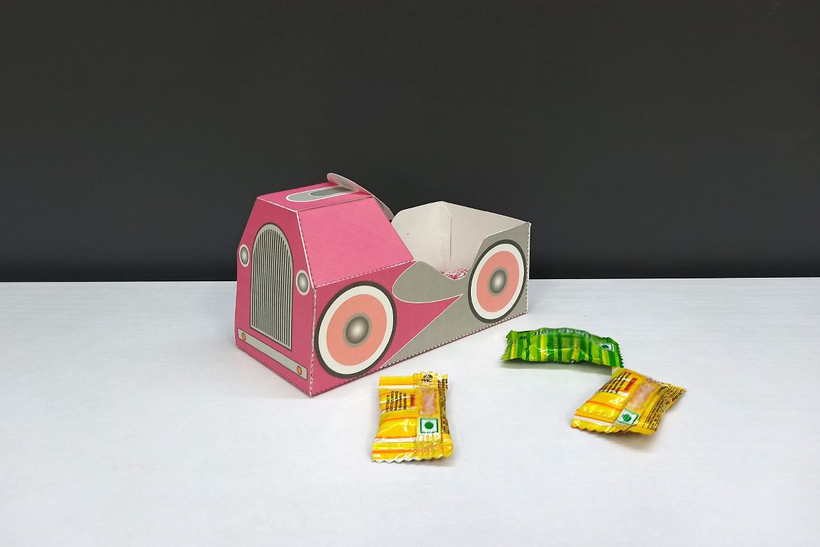 DIY Pedal car favor - 3d papercraft example image 1