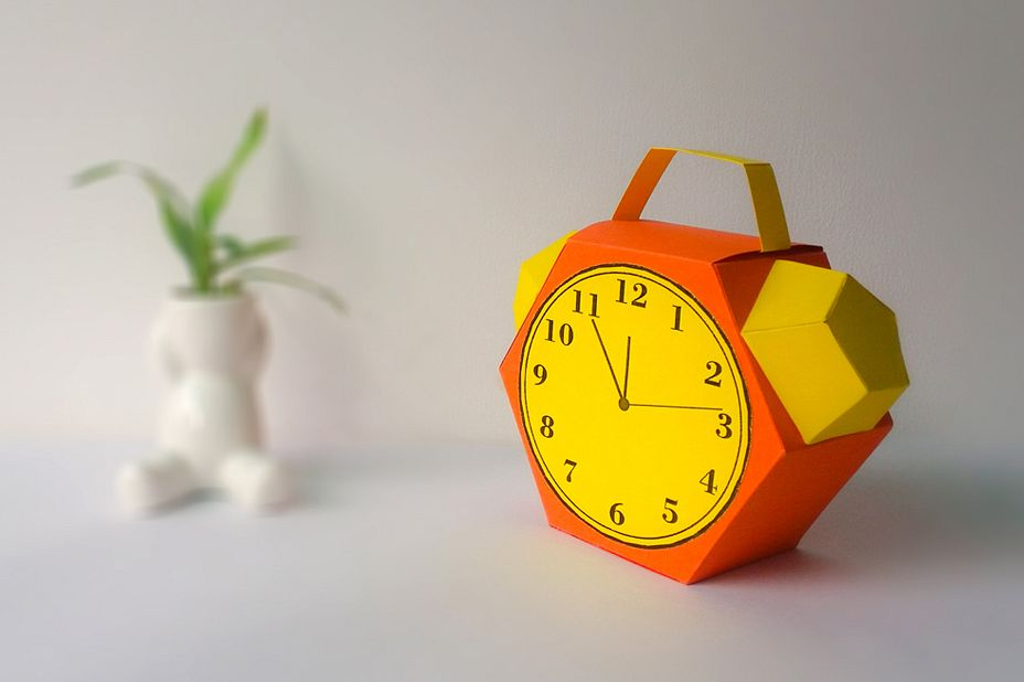 DIY Alarm favor - 3d papercraft example image 1