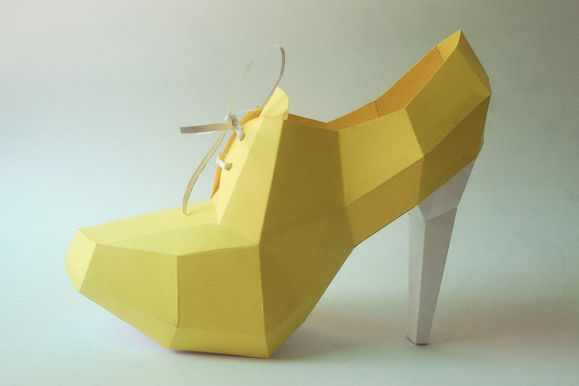 DIY High Heel Ankle Boot - 3d papercraft example image 1
