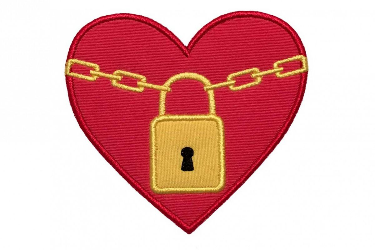 Heart with a lock machine embroidery applique design