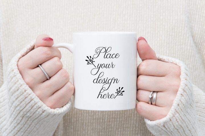 Mug mockup girl woman holding cup in hands coffee 11oz psd