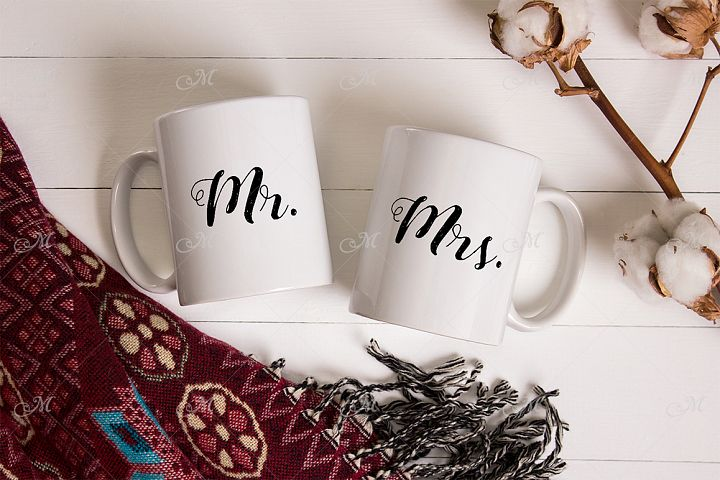 Pair of Mugs Mockup. PSD Smart & JPG