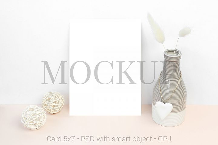Mockup card with bowl and wooden balls