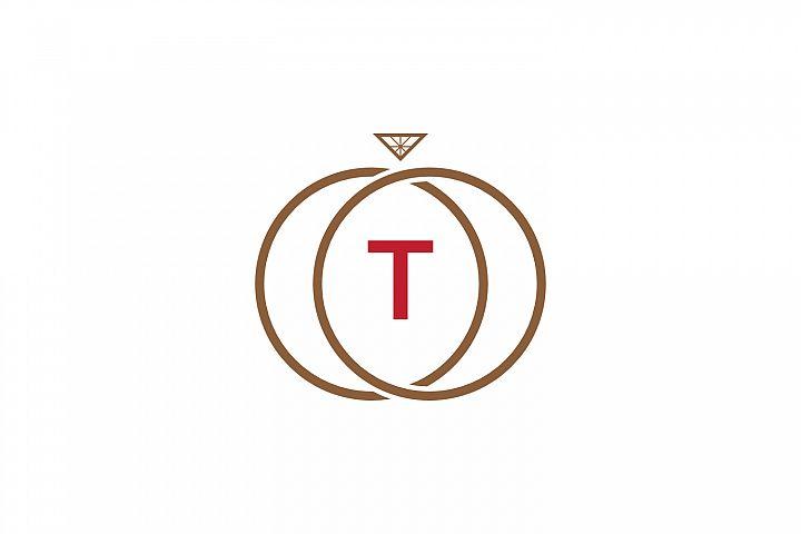 t letter ring diamond logo