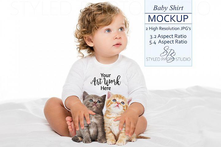 Baby Shirt Mockup baby & kittens, 2 JPGs - 3.2 / 5.4 Aspect