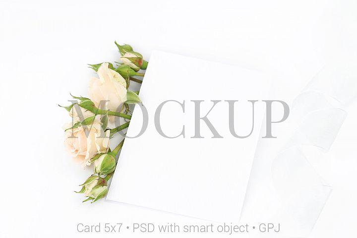 Mockup invitation card with roses & FREE BONUS