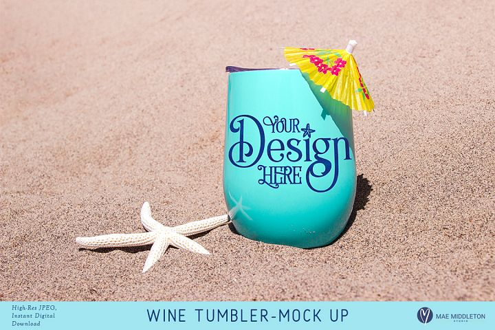 Wine Tumbler with starfish on the beach - Mock up for Summer