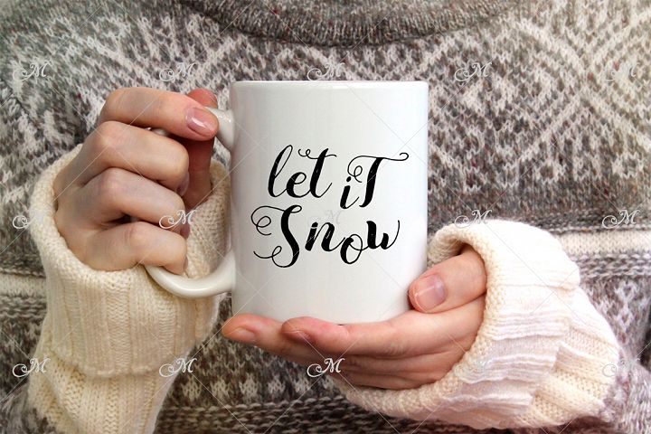 Snowy Mug Mock-up. PSD Smart & JPEG