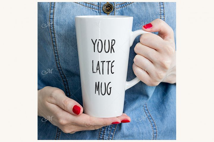 Latte Coffee Mug Photo Mock-up. PSD & JPEG