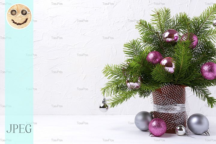 Christmas centerpiece with pink and silver baubles