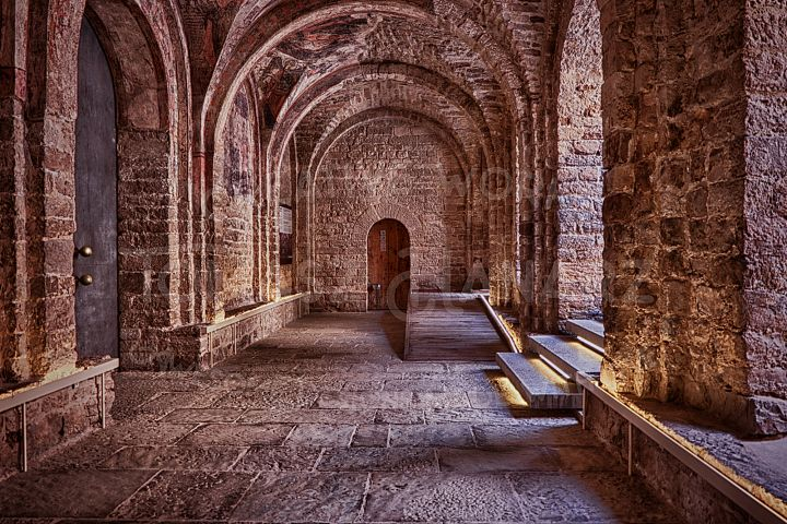 Arched Hall In The Castle - Photo