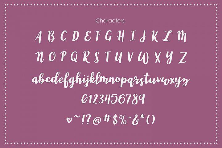 Wonderland, a modern calligraphy font - Free Font of The Week Design1