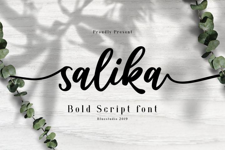Salika // Bold Script Font