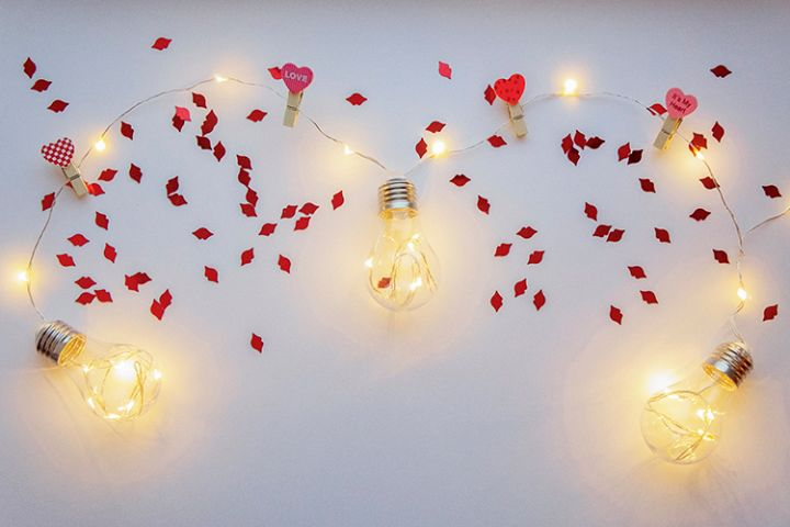 Light background with lamps and lips