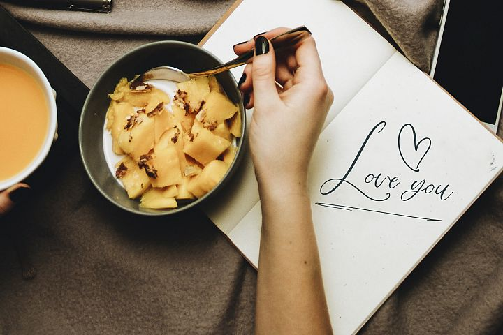 Love Mango. Script font with doodles example image 3