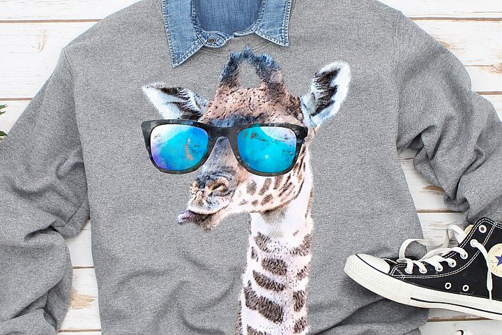 giraffe with sunglasses sublimation PNG 300 dpi