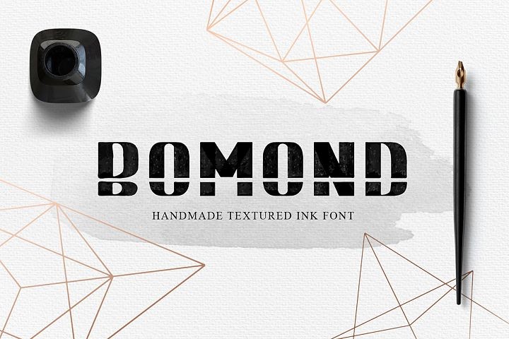 BOMOND. Textured Ink Font