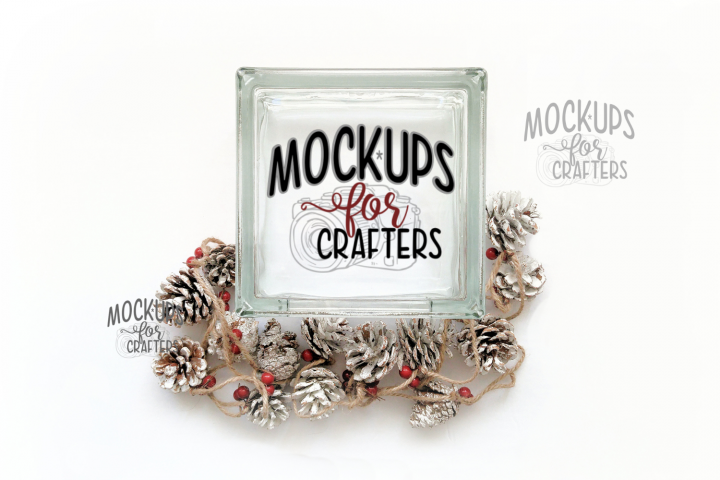 MOCK-UP GLASS BLOCK with pine cone and berry garland