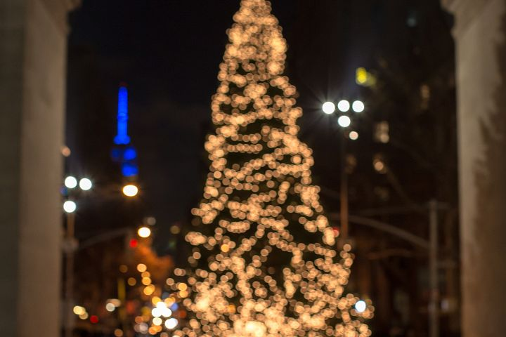 Blurred christmas tree in new york