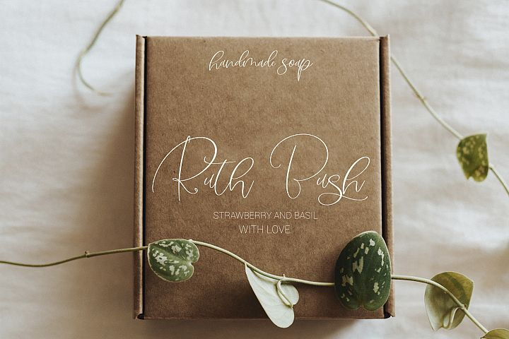 Midnight Peony Script Font example image 3