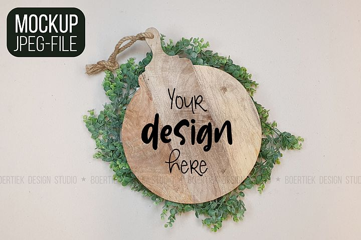 Mockup | JPEG | Wooden cutting board
